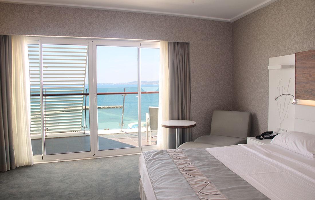 Remarkable Deluxe Zimmer Gold Island Hotel Interior Design Ideas Pimpapslepicentreinfo