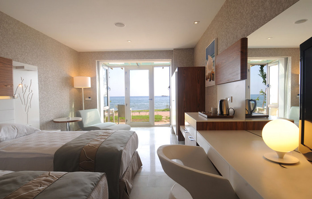 ISLAND ROOM (1)